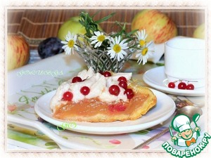 Рецепт Пирог с яблочным пюре и белково-фруктовым кремом
