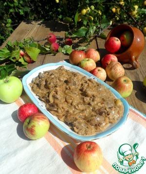 Рецепт Печень по-берлински с яблоками и луком в сливках