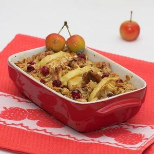 Рецепт Овсянка с яблоками, клюквой и грецкими орехами