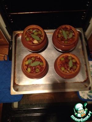 Рецепт Свинина с картофелем и грибами в горшочках