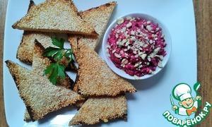 Рецепт Креветочные тосты с кунжутом и свекольным салатом