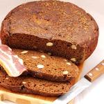 Хлеб ржаной зерновой с красным вином и тмином