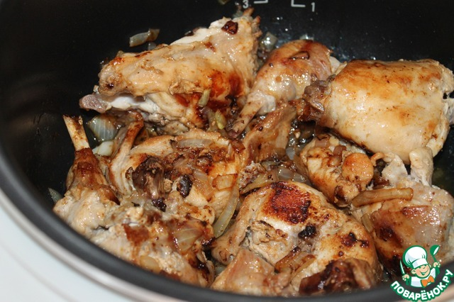 Кролик, томленый в белом вине и сметане с белыми грибами вкусный рецепт с фото пошагово #1