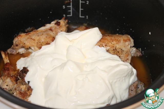Кролик, томленый в белом вине и сметане с белыми грибами вкусный рецепт с фото пошагово #5