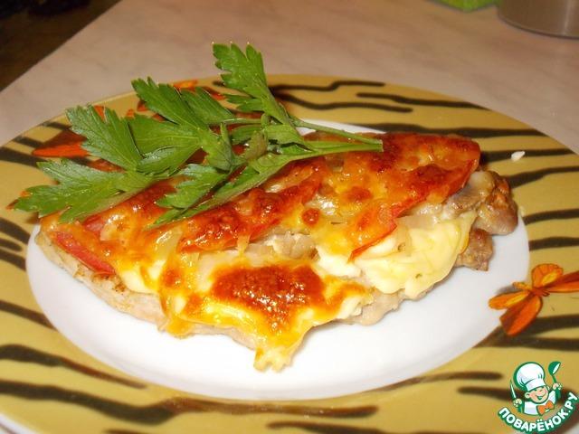 свиная отбивная с помидорами и сыром и грибами в духовке