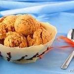 Морковно-маковое мороженое в шоколадной чашке