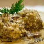 Тефтели в нежном сливочно-грибном соусе