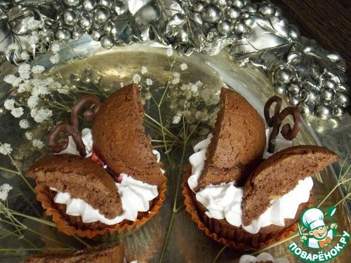 Шоколадные пирожные с бабочками