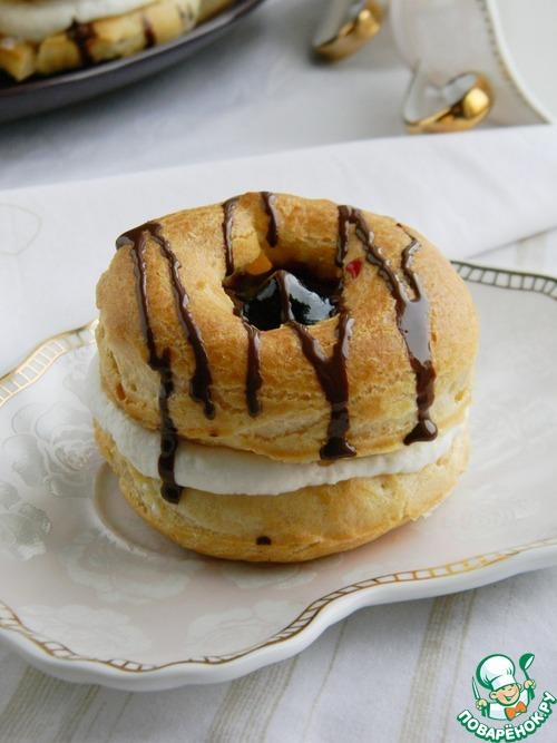 Заварные пирожные с кремом и джемом