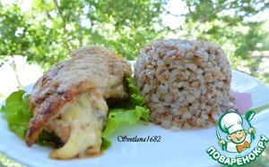 Рецепт Куриные грудки, фаршированные сыром, со сливочно-чесночным соусом