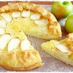 Рисовый пирог с яблоками и лимонным джемом