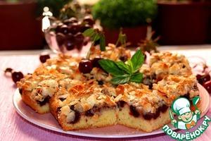 Рецепт Нежный вишневый пирог с миндальным топпингом