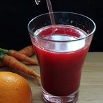 Апельсиново-морковный сок со свекольным льдом