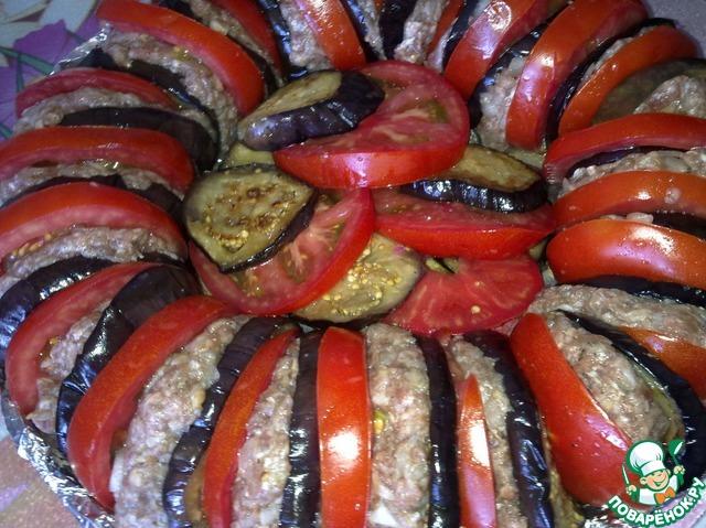 мясо с баклажанами и помидорами в духовке с фото