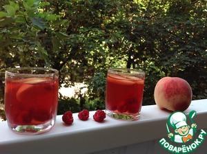 Рецепт Охлаждающий напиток из зеленого чая, персиков и свежей малины