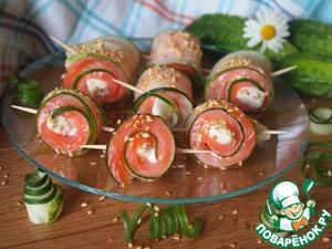 Рецепт Огуречные рулетики с форелью и сливочным сыром