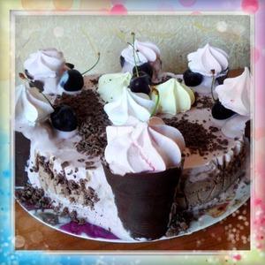 Рецепт Шоколадно-вишневый торт-мороженое с шоколадными стаканчиками