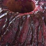 Кекс клубничный с шоколадной глазурью