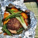 Овощи и лососина в фольге