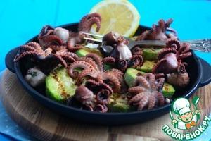 Рецепт Молодые маринованные осьминоги на гриле с кабачками
