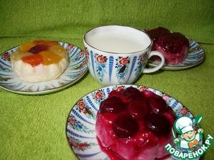 Рецепт Паровой творожный пудинг под соусом из замороженных ягод и фруктов