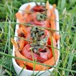 Маринованные помидоры на пикник