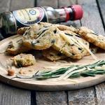 Сырное печенье с розмарином и оливками