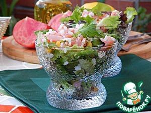 Рецепт Салат с копченым лососем и орехами