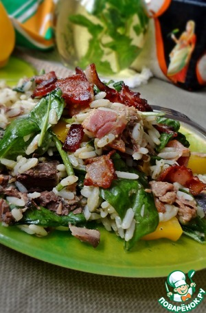 Рецепт Рисовый салат с тунцом и соусом песто