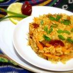Плов из коричневого риса с финиками и морковью