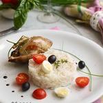 Перепелки фаршированные овощами и рис с ароматными травами