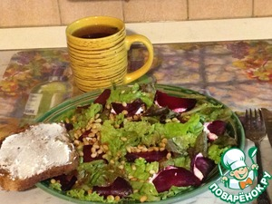 Рецепт Салат из свеклы с козьим сыром и орехами
