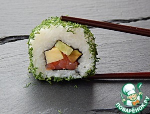Рецепт Роллы маки-суши с семгой и омлетом