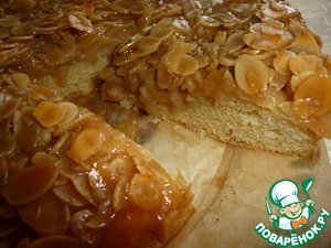 Как готовить рецепт с фотографиями Дрожжевой пирог с карамельной заливкой и миндалем