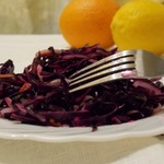 """Салат из краснокочанной капусты """"Ягодный дракон"""""""