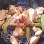 Курица в арахисовом масле в азиатском стиле