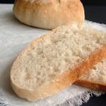 Простой пшеничный хлеб на закваске