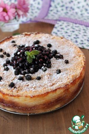 пирог в мультиварке с черничным вареньем