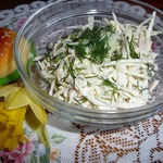 Салат из свежей капусты с вареной колбасой