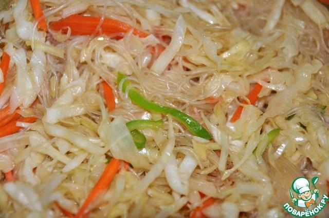 Салат из фунчозы с креветками рецепт с
