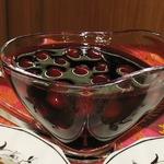 Пряный вишневый соус с вином