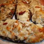 Лодочки из баклажанов с куриной печенью