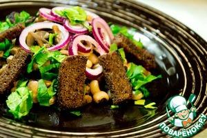 Рецепт Салат с фасолью и бородинскими гренками