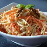 Салат из сельдерея, моркови и яблока