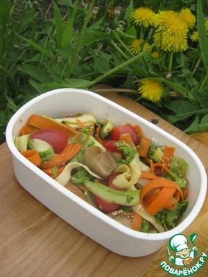 Рецепт Овощной салат с маринованными грибами