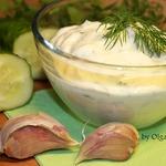Острый крем-сыр из кефира с зеленью