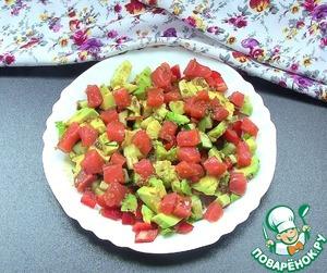 Рецепт Легкий салат с семгой и овощами
