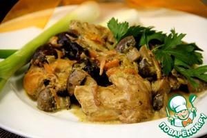 Рецепт Кролик в сметанном соусе с грибами