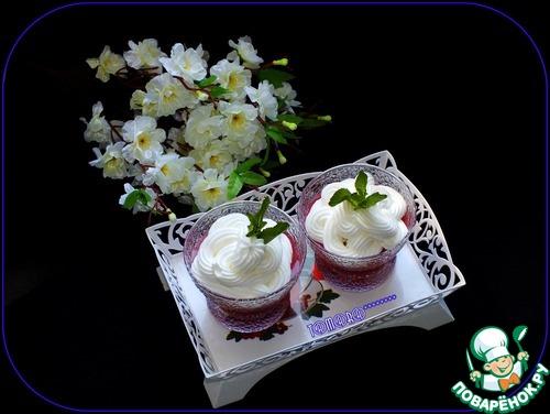 Кисель из овсяных хлопьев и вишни со взбитыми сливками – кулинарный рецепт