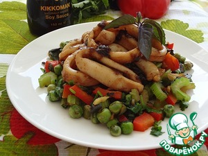 Рецепт Пряный жареный кальмар с горохом